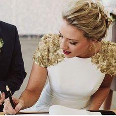 Wedding Dresses A Line Vintage . Wedding Dresses A Line Vintage Country Wedding Dresses, Best Wedding Dresses, Bridal Dresses, Wedding Gowns, Wedding Bride, Vestidos Vintage, Vintage Dresses, Cute Dresses, Beautiful Dresses