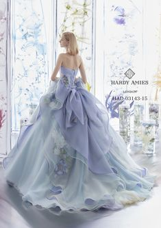 Pin by Audrey Reed on Pretty dresses in 2019 Pin by Audrey Reed on Pretty dresses in 2019 Stunning Dresses, Beautiful Gowns, Pretty Dresses, Ball Dresses, Ball Gowns, Formal Dresses, Fancy Gowns, Fairytale Dress, Fantasy Dress