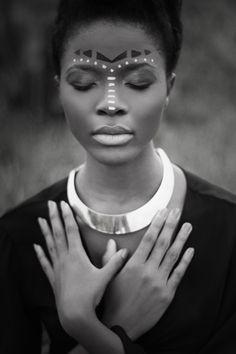 Black is so beautiful  Modelo: Bárbara Biazi  Produção de Figurino: Alana Ruas   Tratamento de Imagem: Alana Ruas   Maquiagem e direção de arte: Andressa Pontes  Fotografia e Concepção: Rachel Barros