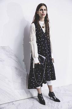 Phillip Lim Pre-Fall 2017 Fashion Show Collection Fashion Week, Fashion 2017, Fashion Show, Fashion Trends, Phillip Lim, Mode Monochrome, Mode Style, White Fashion, Ready To Wear