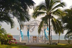 The Garden Gazebo Overlooking Beach At Melia Puerto Vallarta
