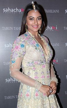Sonakshi Sinha was the showstopper for Tarun Tahiliani at the Sahachari Foundation event.
