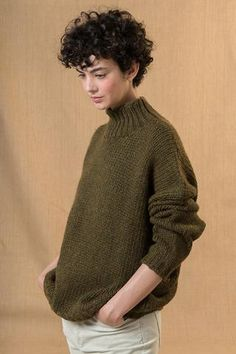 The new affordable French label – The Mercantile London El nuevo sello francés asequible – The Mercantile London Curly Hair Styles, Curly Hair Cuts, Cut My Hair, Short Hair Cuts, New Hair, Short Curly Pixie, Short Curly Haircuts, Curly Crop, Pixie Haircuts