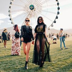 Pin by on Festival - in 2019 Coachella Looks, Coachella 2018, Coachella Festival, Festival Lollapalooza, Crazy Outfits, Casual Outfits, Fashion Outfits, Ootd Fashion, Festival Looks