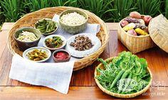 할머니에게 배우는 시골 밥상 Korean Dishes, Korean Food, Healthy Drinks, Healthy Recipes, K Food, Asian Recipes, Ethnic Recipes, Fat Burning Foods, Light Recipes