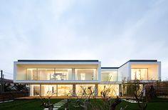 Huge house in Valongo by architect Carlos Nuno Lacerda Lopes 01