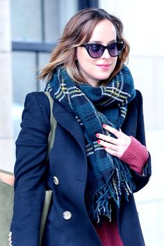 Dakota Johnson spotted in NY - 26 Jan 2016 Click on for more Candid photos lovefiftyshades.com   twitter   instagram   pinterest   youtube
