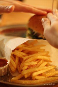 phil´s burger bar - krefeld. // nikesherztanzt