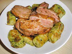 Sült kacsamell medvehagymás gnoccival recept Hungarian Recipes, Hungarian Food, Okra, Steak, Fish, Low Carb, Drink, Hungarian Cuisine, Gumbo