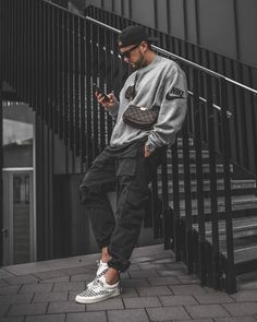 Men Looks, Rapper Outfits, Mens Photoshoot Poses, Stylish Mens Outfits, Outfits For Men, Urban Outfits, Mens Clothing Styles, New Fashion For Men, Urban Fashion Men
