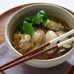 汁物レシピ【保存版】忙しい日や疲れた日におすすめの簡単スープレシピ   folk (2ページ) Japanese Food, Ramen, Favorite Recipes, Cooking, Ethnic Recipes, Cucina, Kochen, Japanese Dishes, Cuisine