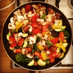 batch cook Med veggies as base for 5 week day meals -spag bol, meatballs, chicken stir fry, Spanish stew & fish curry