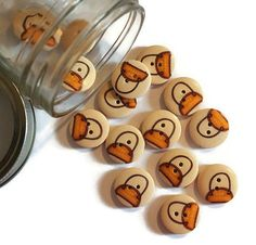 10 Pieces Yellow Handbag Wood Button. by TheoriesAndStories