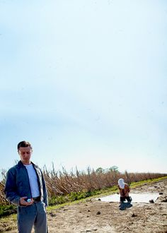 Joseph Gordon-Levitt and Bruce Willis, Looper, 2012.