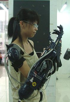 Xiao-Jien prosthetics have come a long way from bulky early models Moda Cyberpunk, Cyberpunk Fashion, Cyberpunk Art, Cyberpunk Aesthetic, Steampunk Fashion, Gothic Fashion, Science Fiction, Character Concept, Character Design