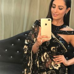 Anita Hassanandani gorgeous blouse designs can make any saree look royal and elegant. Time to steal some unique blouse designs from Anita Hassanandani's Shagun Blouse Designs, Lengha Blouse Designs, Saree Jacket Designs, Saree Blouse, Saree Dress, Blouse Back Neck Designs, Best Blouse Designs, Stylish Blouse Design, Blouse Models