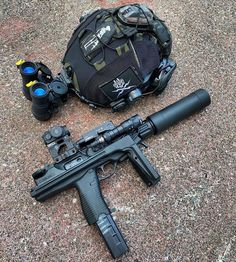 Anime Military, Military Police, Military Weapons, Tactical Helmet, Edc Tactical, Shooting Gear, Submachine Gun, Firearms, Shotguns