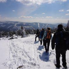 Zimní outdoorový teambuilding na horách OMT group - Zasněžená krajina dodá nový rozměr a umocní prožitek při absolvování.
