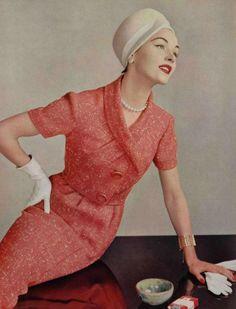 Pierre Balmain 1957. L'officiel de la mode.