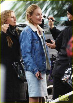 #KateBosworth Keeps Smiling On Set Despite the Rainy & Gloomy Day #backstage #BehindTheScenes