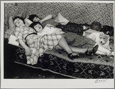 Titre : Kiki et ses amies, Thérèze Treize de Caro et Lily Description : Prise de vue réalisée à Paris Auteur : Brassaï (dit), Halasz Gyula (1899-1984) photographe