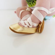 All I can say Gold is a beautiful color and made into these beauties lace-up shoes! Perfection