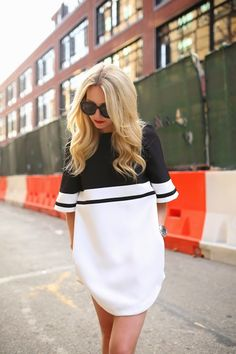 Black and white mini dress. - Street Fashion & Casual Style Trends - Total Street Style Looks And Fashion Outfit Ideas Tomboy Fashion, Look Fashion, Street Fashion, Fashion Beauty, Womens Fashion, Fashion Trends, Prep Fashion, Fashion Black, Fall Fashion