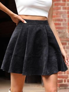Mini Skater Skirt, Mini Skirts, Fashion News, High Waisted Skirt, Couture, Casual, Shopping, Black, Simple