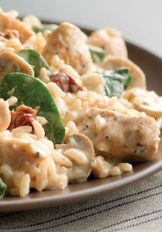 Creamy Chicken and Rice Milano – Sprinkle freshly grated Parmesan cheese over top and ta-da! This weeknight dinner winner is ready to enjoy. Find more delicious and easy recipes at www.pinterest.com/SuccessRice