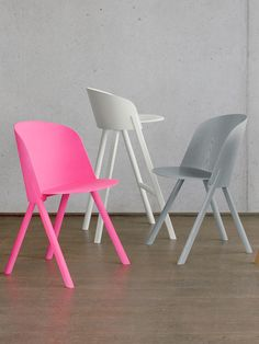 The new e15 collection of furniture @iSaloni  #milandesignweek #mdw13 #pink…