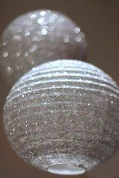 How to make fabulous DIY glitter lanterns for your New Year's Eve Party, Wedding, Birthday, etc. Decoration Disco, Glitter Decorations, Masquerade Decorations, Jasmin Party, How To Make Glitter, Do It Yourself Baby, Disco Party, Disco Ball, Nye Party