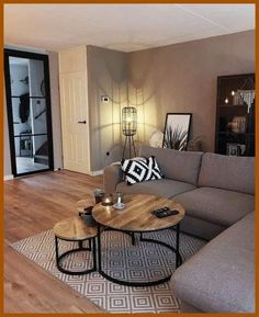 56 small living room apartment designs to look fantastic .- 56 kleine Wohnzimmer-Apartment-Designs, um fantastisch auszusehen 26 56 small living room apartment designs to look awesome 26 - Small Living Rooms, Home And Living, Small Living Room Designs, Small Living Room Furniture, Modern Living Room Decor, Modern Decor, Condo Living Room, Small Apartment Living, Bedroom Small
