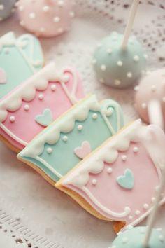 Pastel teacup cookies