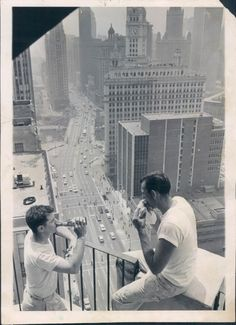Lunchtime at the Michigan Terrace Apartments, 535 N Michigan Ave,1963