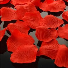 100 Petalos de Tela Rojos  http://www.airedefiesta.com/product/2376/0/0/1/1/100-Petalos-de-Tela-Rojos.htm