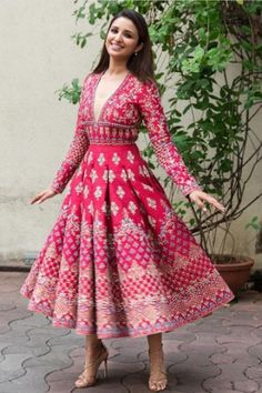 Celebs give us major Indian wear goals Indian Gowns Dresses, Indian Fashion Dresses, Dress Indian Style, Indian Designer Outfits, India Fashion, Fashion Outfits, Fashion Women, Fashion Online, Sangeet Outfit