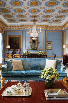 A grand, classic living room with all the best signature features of its creator, Alberto Pinto. #insplosion #classicinteriors #luxuryhomes #luxurymansions Famous Interior Designers, Blue Space, Classic Living Room, Traditional Interior, Custom Cabinetry, Luxury Interior, Colorful Interiors, Interior Inspiration, Luxury Homes