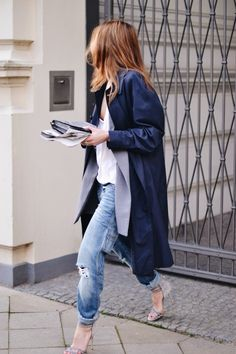 Sobreposição de casacos e sapato