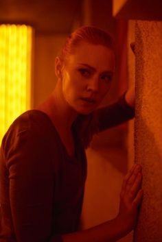 Trailer, TV spots, clips, featurette, images and poster for the horror film ESCAPE ROOM starring Logan Miller and Deborah Ann Woll. Escape Room, Hindi Movies, Deborah Ann Woll, Disney Pixar, Top Rated Movies, Comedy, Audio Latino, Marvel