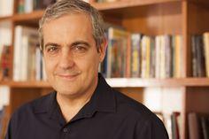 O escritor José Roberto Torero Fernandes Junior, mais conhecido como Torero