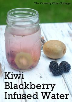 Kiwi Blackberry Infused Water Recipe -- try this infused water recipe for a refreshing treat. Amazing kiwi blackberry infused water recipe that you must try. Get the simple ingredients and instructions for making your own refreshing infused water. Infused Water Recipes, Fruit Infused Water, Fruit Water, Infused Waters, Water Water, Juice Recipes, Drink Recipes, Dinner Recipes, Detox Recipes