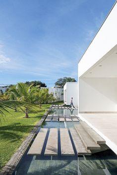 Modern home in Brazil / Aguirre Arquitetura