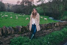 5.16 exploring the cotswolds (Burberry London 'the kensington' trench coat + Club Monaco 'marona' side-tie blazer in shell blue + Carven gingham cardigan + J Crew toothpick jeans + Hunter boots in green)
