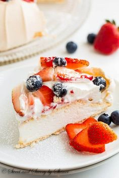 Classic Pavlova is airy, light and absolutely delicious dessert cake that you will be making over and over again. Try with lemon cud and blueberries. Also mix cocoa powder with whipped cream and use raspberries. Just Desserts, Delicious Desserts, Pavlova Cake, Cake Recipes, Dessert Recipes, Cravings, Sweet Tooth, Sweet Treats, Cooking Recipes