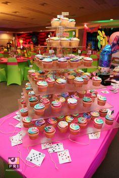 Alice in Wonderland cupcake display