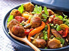 Avec les lectrices reporter de Femme Actuelle, découvrez les recettes de cuisine des internautes : Tajine végétarien de légumes et falafels