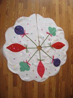 retro 60s inspired christmas tree skirt christmas applique vintage christmas trees christmas tree skirts - Vintage Christmas Tree Skirt