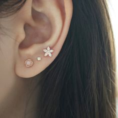 oreja Round Cartilage Stud Earring- Gold curated ear piercing featuring pink opal and cute flower studs Bar Stud Earrings, Round Earrings, Crystal Earrings, Diamond Earrings, Diamond Jewelry, Silver Earrings, Triangle Earrings, Silver Ring, Ear Jewelry