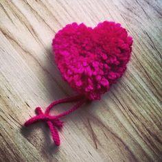 #happyvalentinesday #pompom #pompommaker #tutorial #youtube #soon #heart #heartpompom #pompomloom #heartmaker #laurelisanper