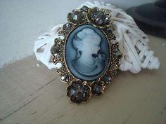 ♥ Nouveauté déco ♥ Broche fantaisie rétro vintage : 7.95€ D'autres bijoux sur https://bijoux-retro-vintage.com